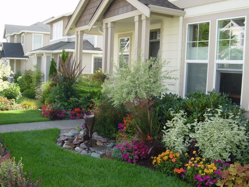 1000+ Ideas About Foundation Planting On Pinterest   Boxwood Plant inside Garden Ideas For A Small Front Yard