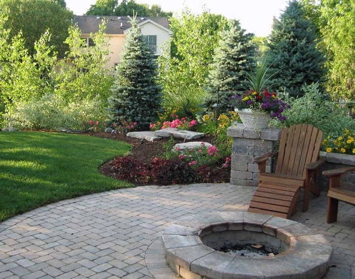 17 Best Ideas About Backyard Landscaping Privacy On Pinterest intended for Small Backyard Landscaping Ideas For Privacy