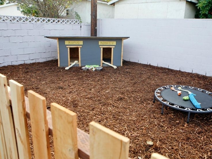 17 Best Ideas About Dog Friendly Backyard On Pinterest   Diy Dog within Small Backyard Landscaping Ideas For Dogs