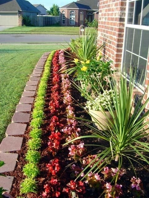 17 Best Ideas About Front Flower Beds On Pinterest | Flower Beds for Landscaping Ideas For Front Yard Flower Beds