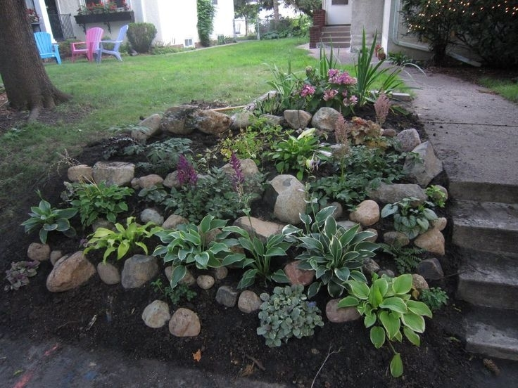 17 Best Ideas About Landscaping A Hill On Pinterest   Sloped Yard in Small Garden Ideas On A Hill