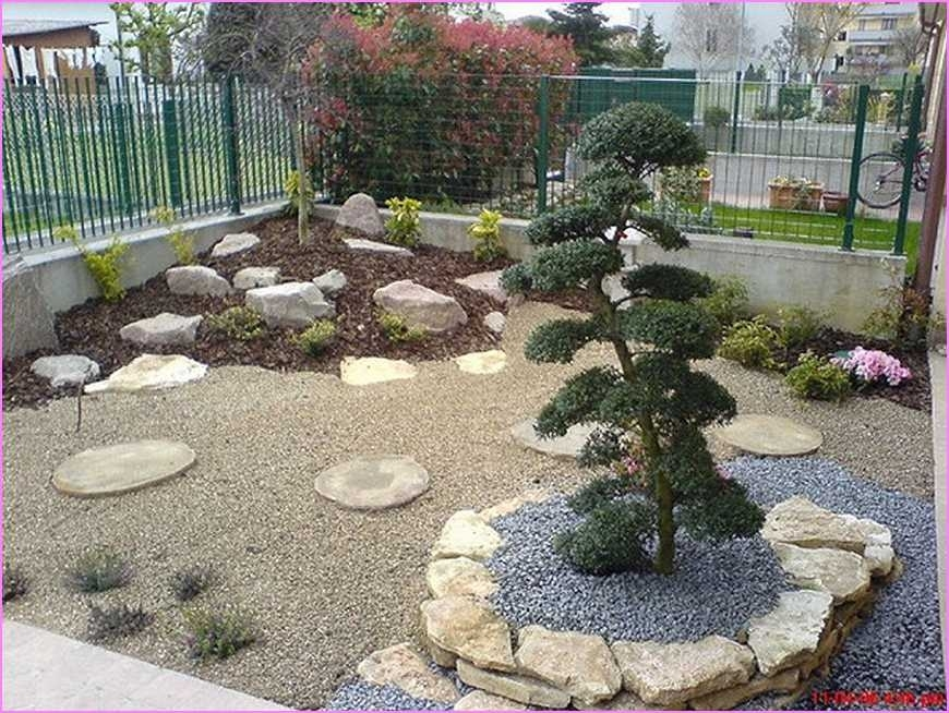 Landscaping ideas for small front yards without grass for Small front garden landscaping
