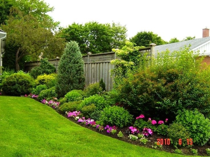 25+ Best Ideas About Small Backyard Landscaping On Pinterest with regard to Garden Ideas For Small Gardens Designs