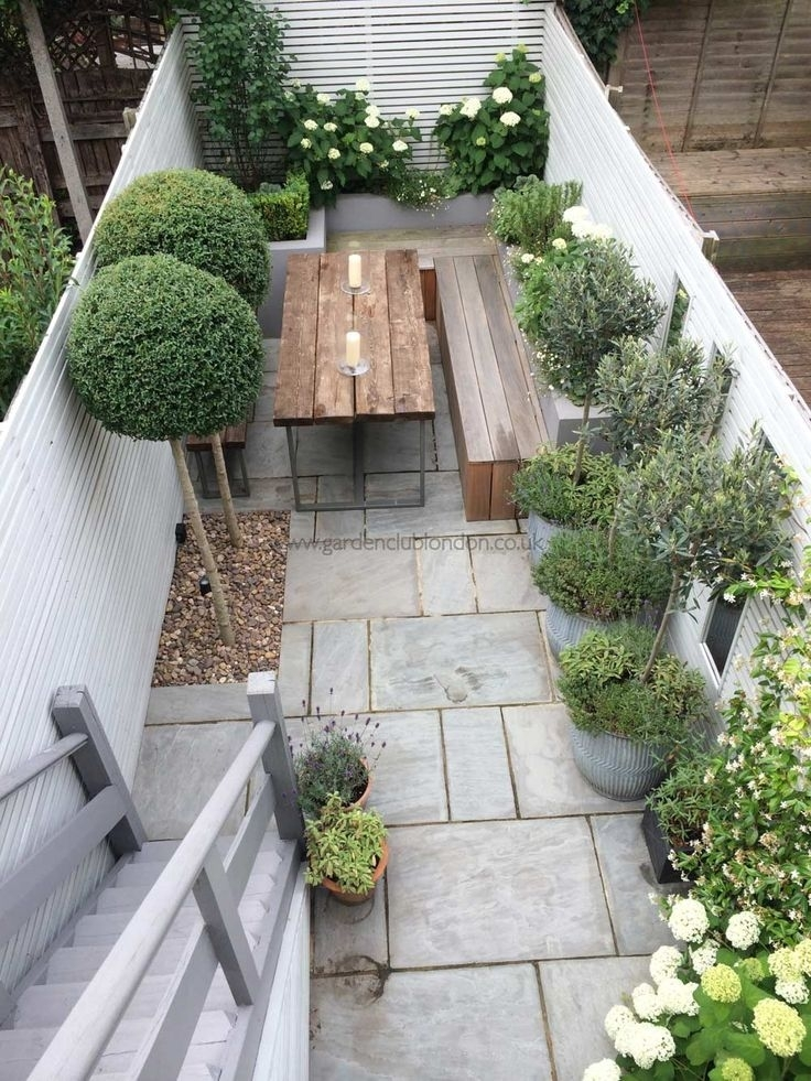 25+ Best Ideas About Small Courtyard Gardens On Pinterest with Garden Designs For Small Courtyard Gardens