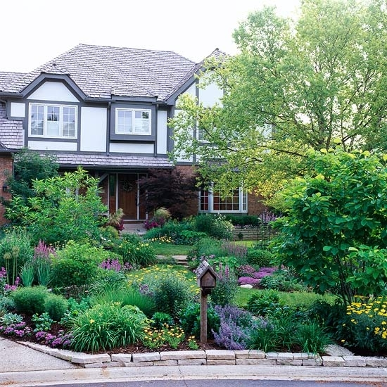 28 Beautiful Small Front Yard Garden Design Ideas - Style Motivation with Landscaping Design Ideas For Small Front Yard