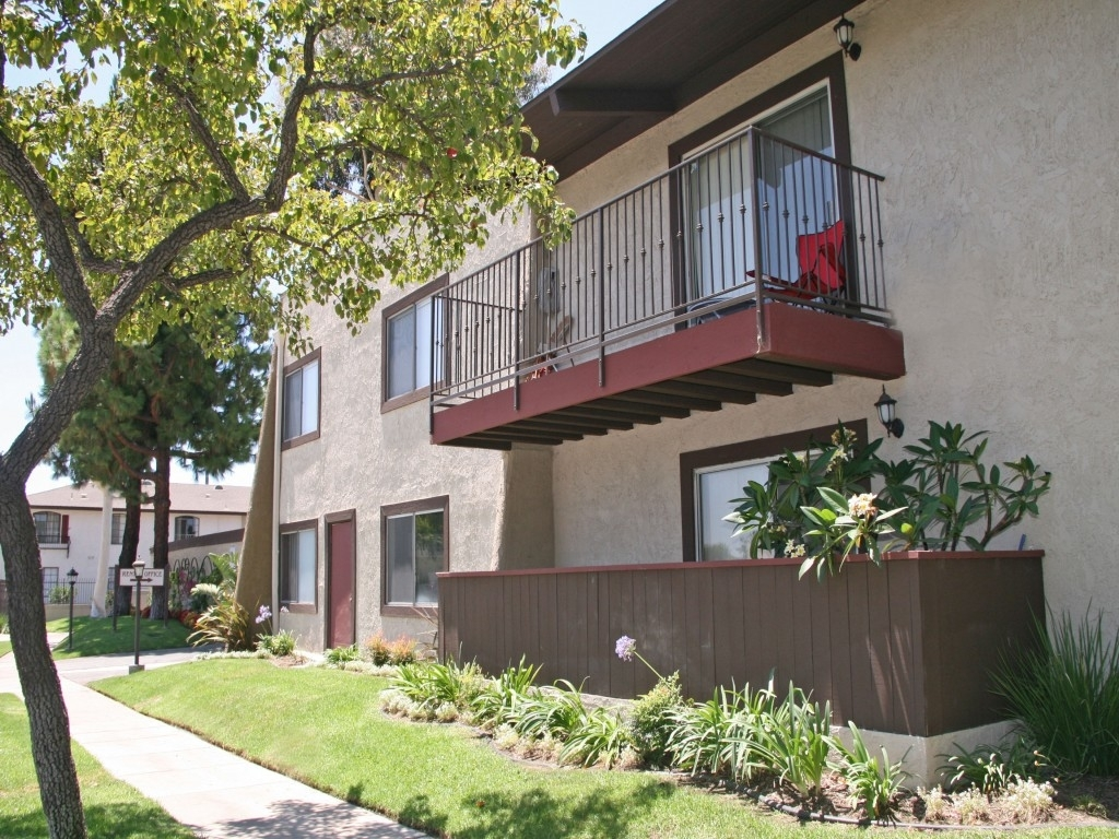 Chapman Village, Garden Grove - (See Pics & Avail) within Best Layout For Apartments For Rent Garden Grove Ca Design Ideas