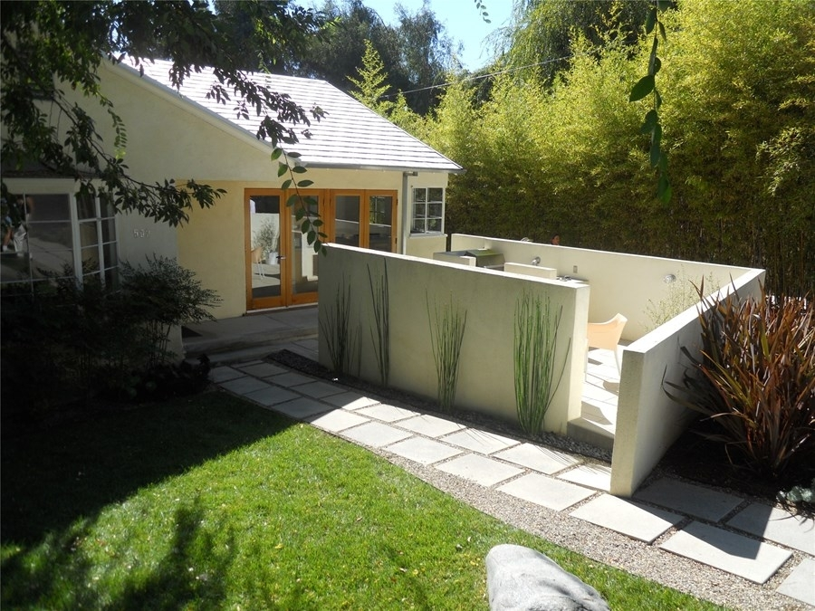 Functional Front Yards For Entertaining - Landscaping Network with Landscaping Ideas For Front Yard Privacy