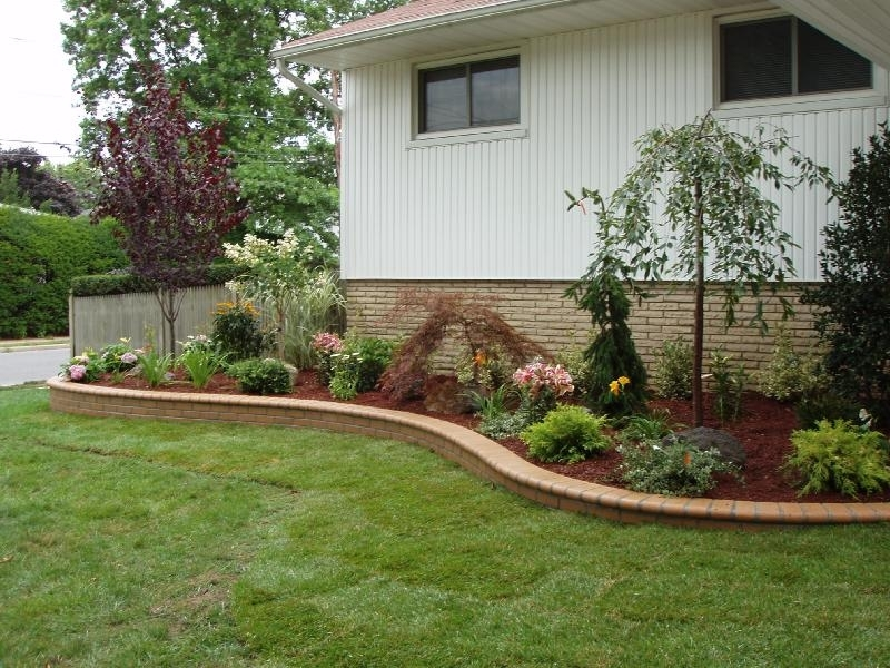 Low cost landscaping ideas for small front yards garden for Front yard landscaping cost