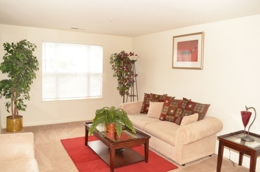 Prices & Reviews For Overland Gardens At Landover, Md with Shorter Garden Apartments