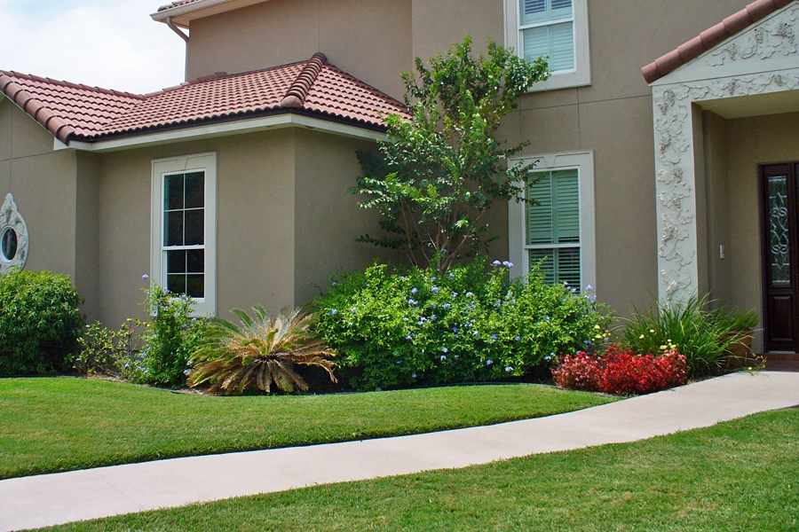 Simple Landscaping Ideas For Front Yard | Design Ideas And Decor regarding Landscape Ideas For Front Yard Simple