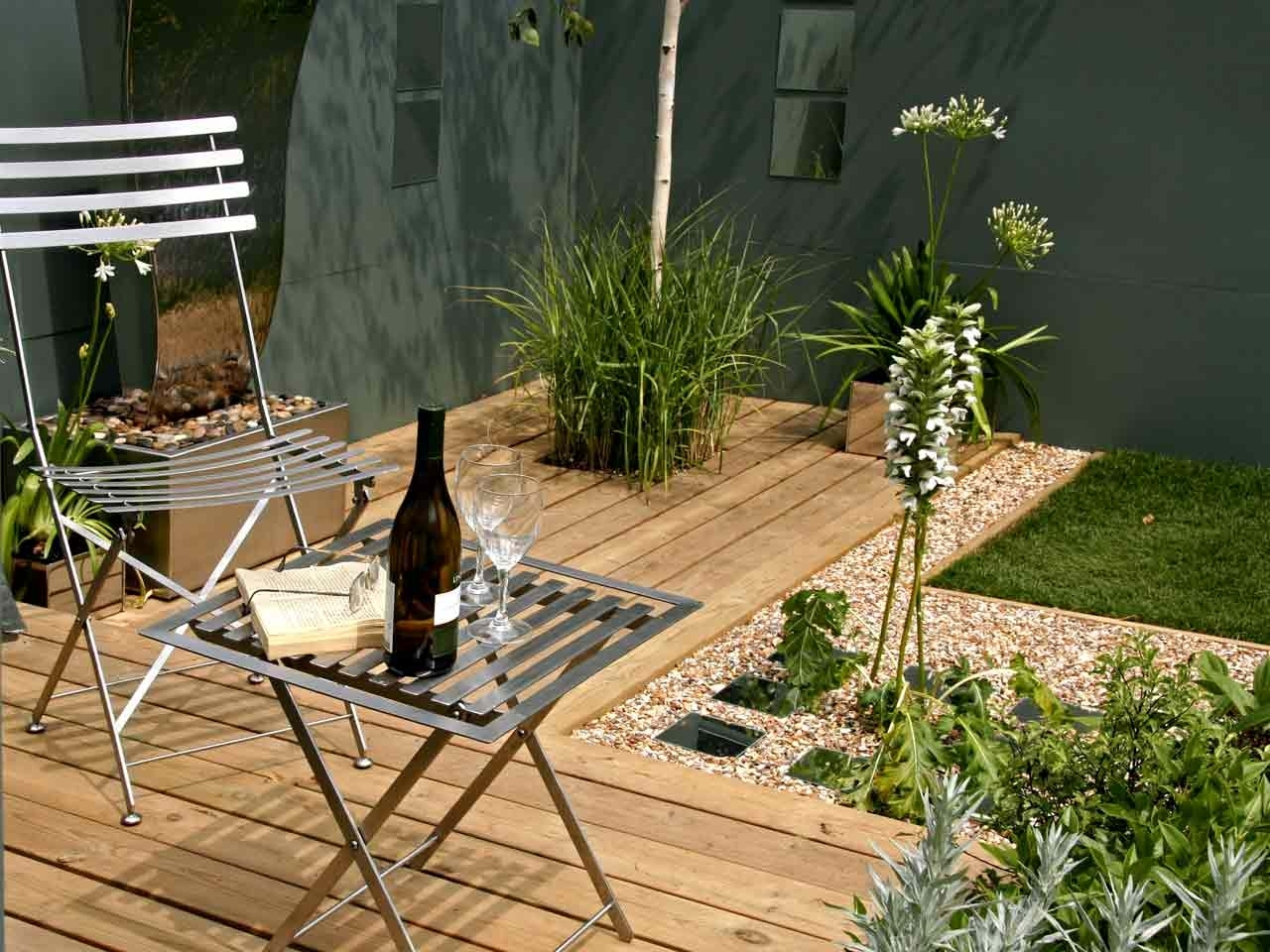 Small Garden Ideas And Inspiration - Saga with Small Garden Ideas