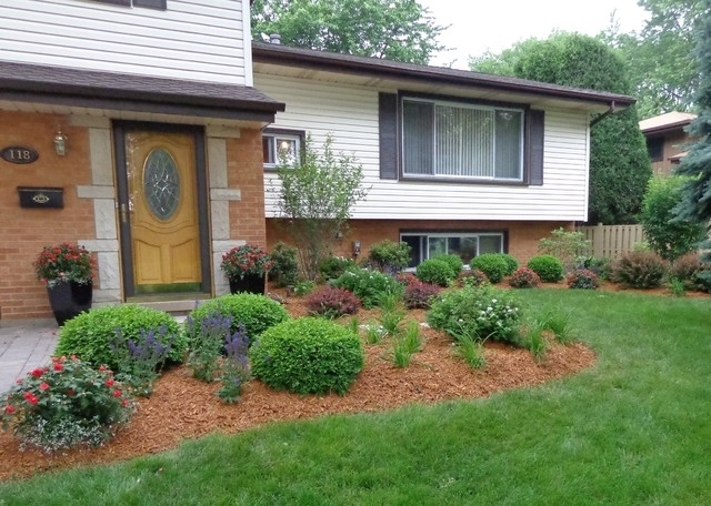 Landscaping ideas for front yard tri level garden design for Split level garden designs