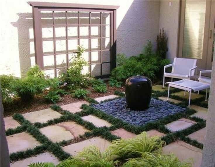 The 25+ Best Ideas About Small Courtyards On Pinterest   Courtyard in Garden Designs For Small Courtyard Gardens