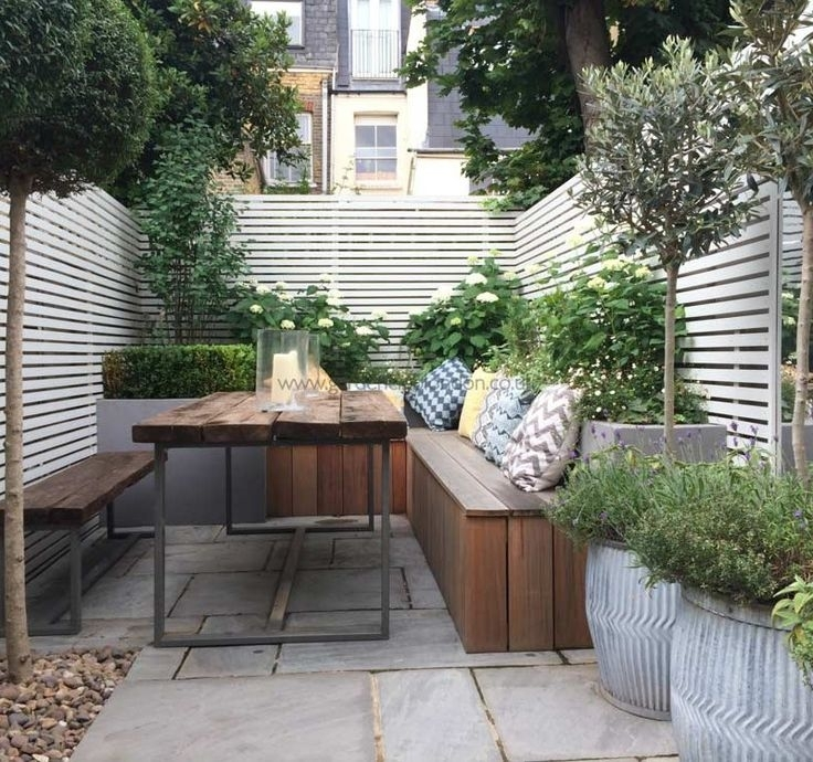 The 25+ Best Ideas About Small Courtyards On Pinterest   Courtyard with Garden Designs For Small Courtyard Gardens