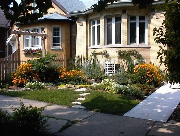 17 Best Images About Bungalowscape On Pinterest | Gardens, Front with Landscaping Ideas For Front Yard Of Bungalow