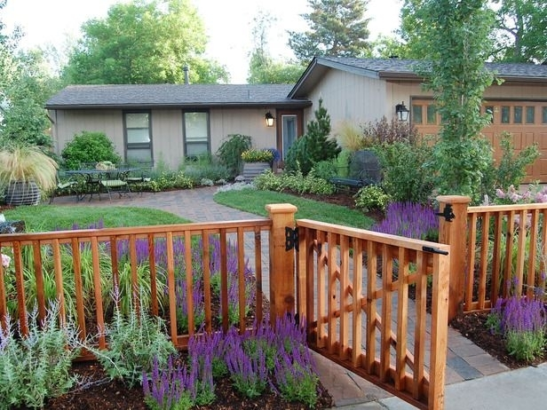 25+ Best Ideas About Front Yard Fence Ideas On Pinterest | Front regarding Landscaping Ideas For Front Yard Fence