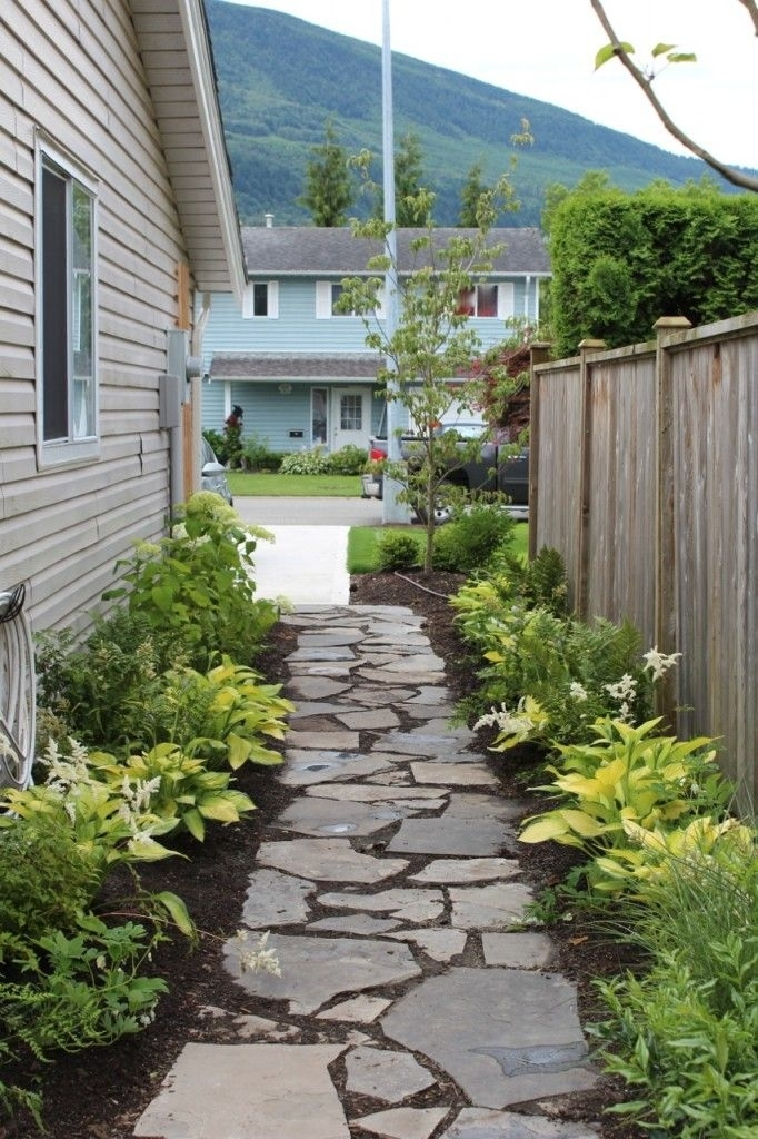 25+ Best Ideas About Side Yard Landscaping On Pinterest | Simple within Landscaping Ideas For Small Side Yards