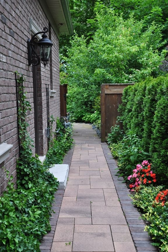 25+ Best Ideas About Side Yards On Pinterest | Side Yard in Landscaping Ideas For Narrow Side Yard