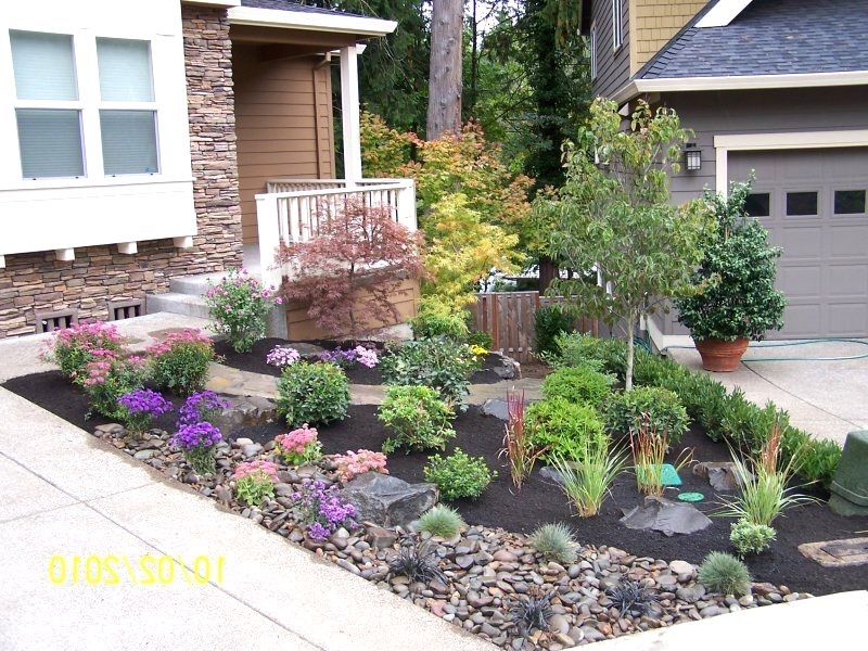 25+ Best Ideas About Small Front Yard Landscaping On Pinterest intended for Simple Landscaping Ideas For Small Front Yards