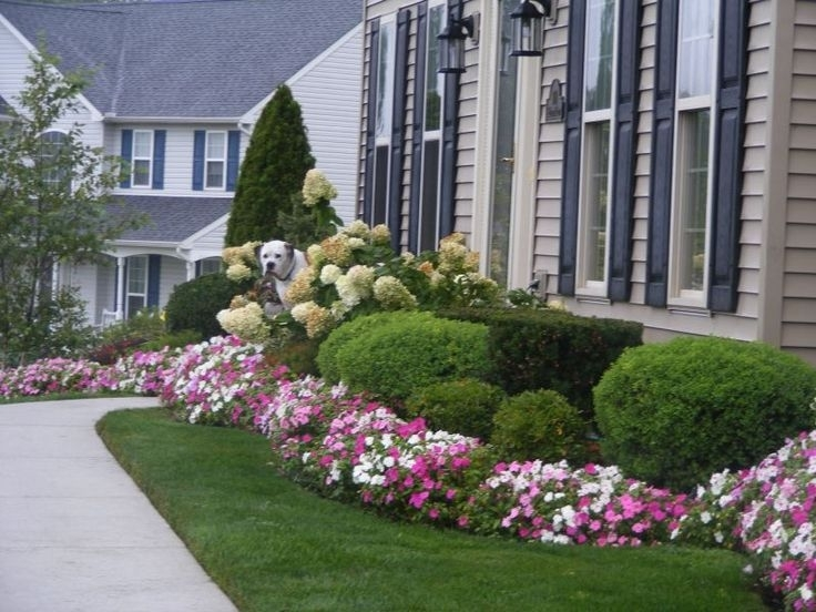 landscaping ideas for front yard of split-level home