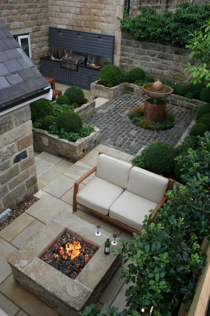 25+ Best Ideas About Small Gardens On Pinterest | Small Garden within Best Layout For Garden Lake Apartments Design Ideas