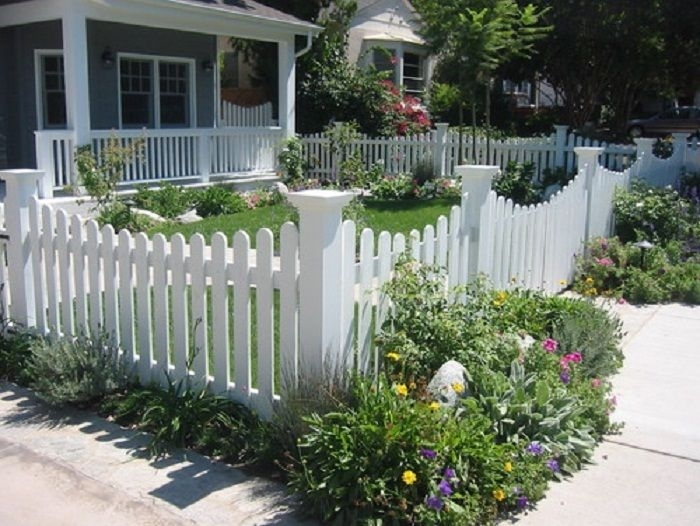 25+ Best Ideas About Yard Fencing On Pinterest | Front Yard Fence inside Landscaping Ideas For Front Yard Fence