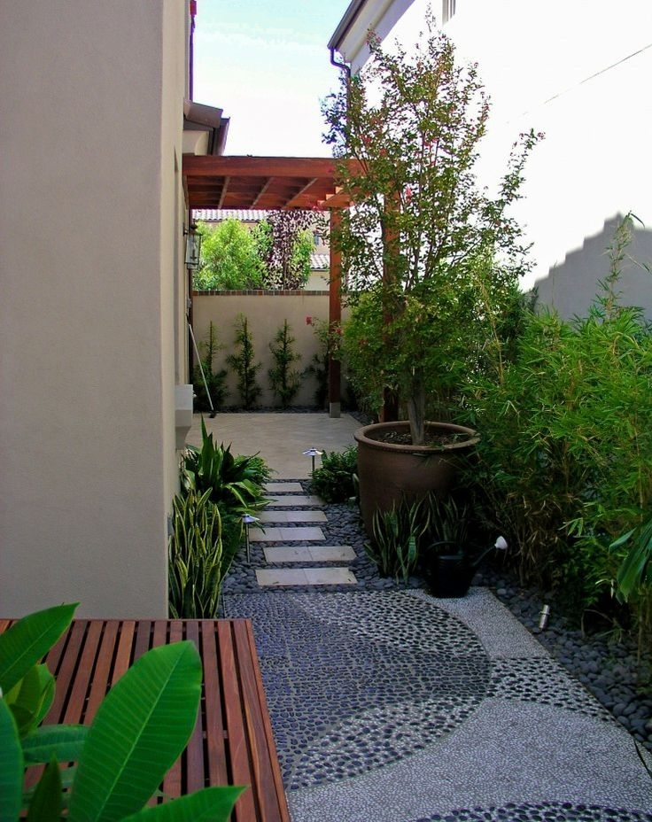 25 Creative Landscape Ideas For Small Side Yard – Thorplc intended for Landscaping Ideas For Small Side Yards