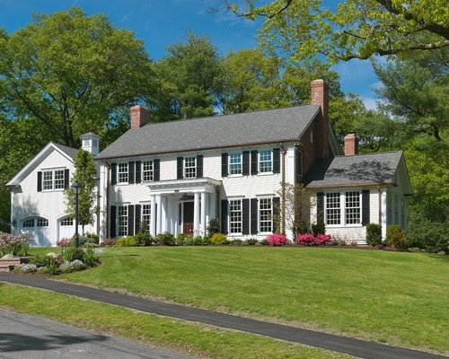 Best Colonial Home Landscape Design Ideas & Remodel Pictures   Houzz for Landscaping Ideas For Front Yard Of Colonial