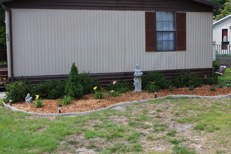 Couple Of Landscaping Projects - Mobilehomerepair regarding Landscaping Ideas For Front Yard Of A Mobile Home