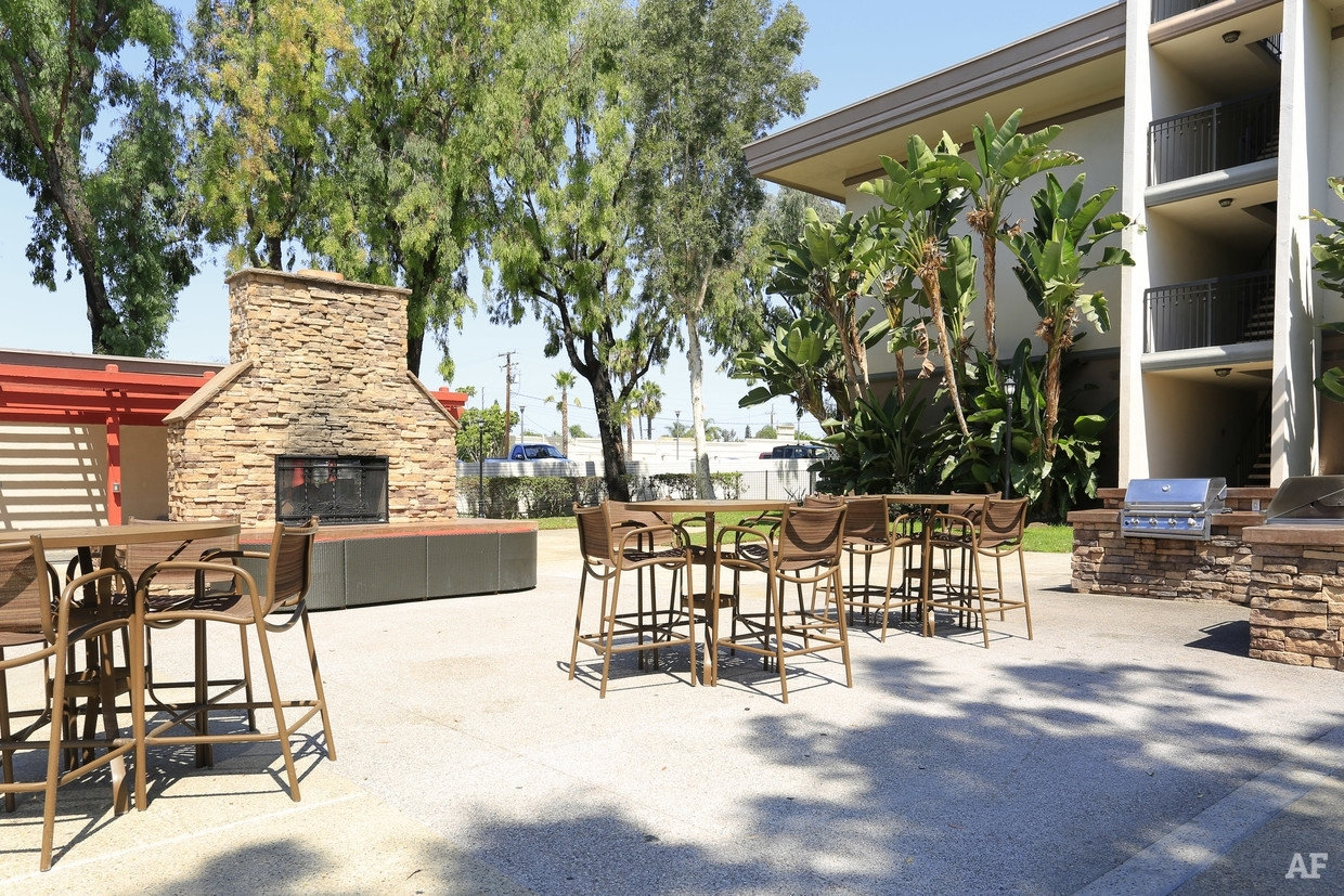 Crystal View Apartments - Garden Grove, Ca | Apartment Finder pertaining to Apartments Garden Grove