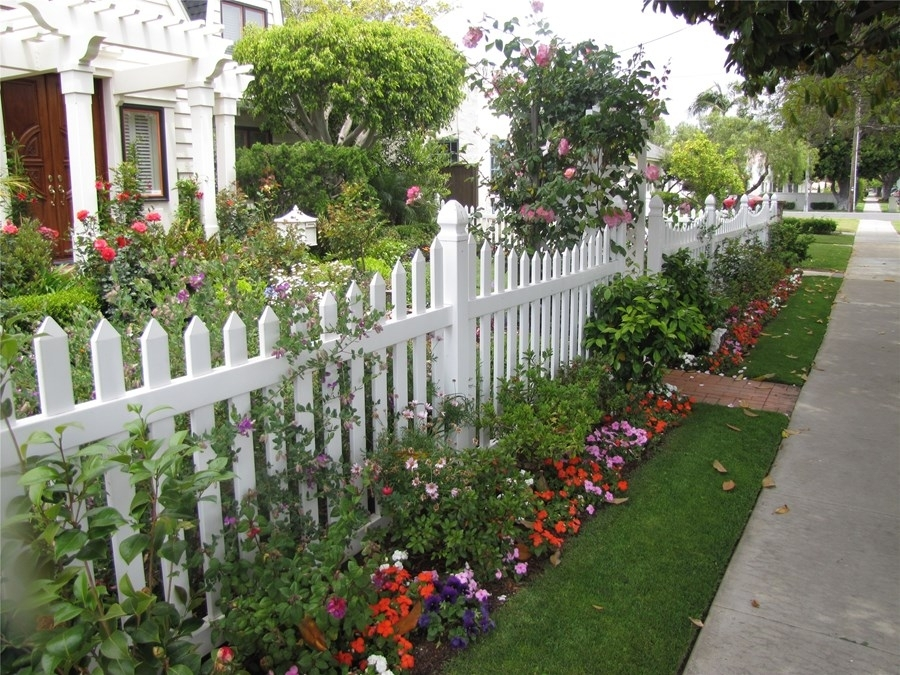 Front Yard Fence Ideas - Landscaping Network pertaining to Landscaping Ideas For Front Yard Fence