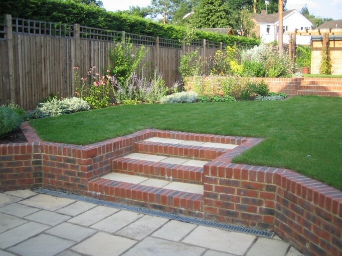 Garden designs for small sloping gardens garden design for Patio designs for small gardens