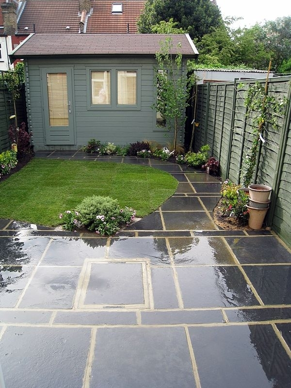 Paving ideas for small front gardens garden design for Paved garden designs ideas