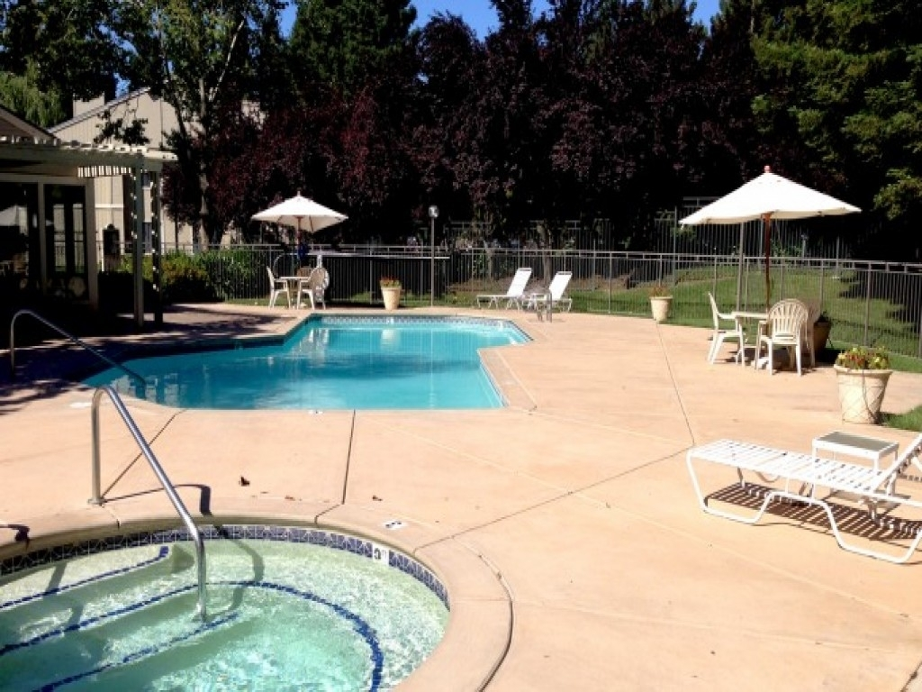 Lakeview Gardens Apartments, Sacramento - (See Reviews, Pics & Avail) in Lakeview Garden Apartments