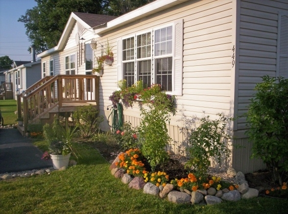 Landscaped The Entire Length Of The Home For A Beautiful Mobile pertaining to Landscaping Ideas Front Yard Mobile Home