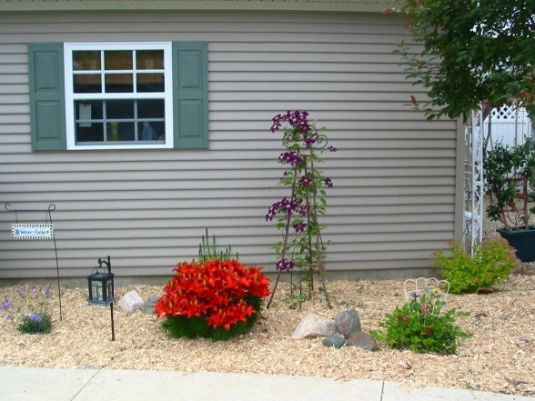 Landscaping Ideas For Mobile Homes - Mobile & Manufactured Home Living for Landscaping Ideas Front Yard Mobile Home