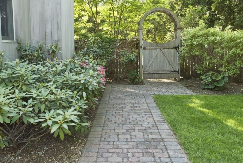 Landscaping Ideas For Side Yards intended for Landscaping Ideas For Small Side Yards