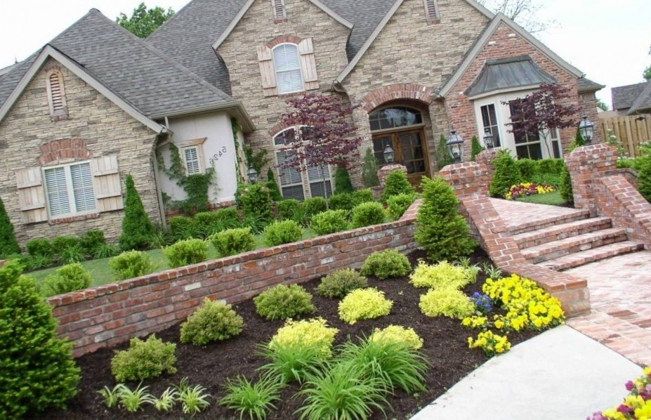 Landscaping Is Easy – Get Ideas And Designs. Over 7000 High with regard to Landscaping Ideas For Front Yard With Evergreens