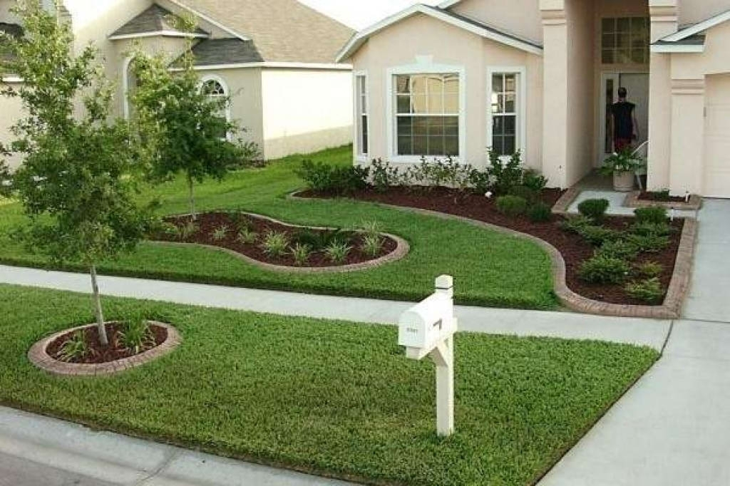 Lawn & Garden:natural Green Seagrass Landscaping For Front Yard for Landscaping Ideas Front Yard Bay Window
