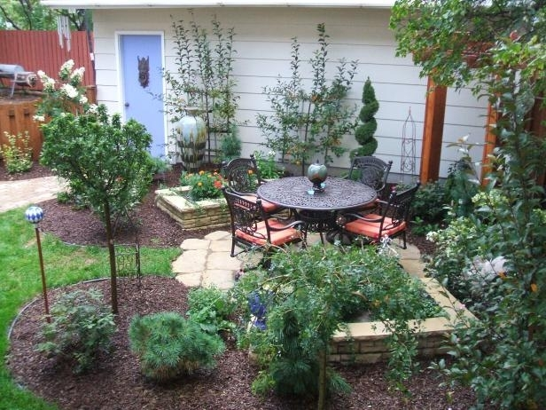 Small Yards, Big Designs | Diy inside Diy Landscaping Ideas For Small Front Yard