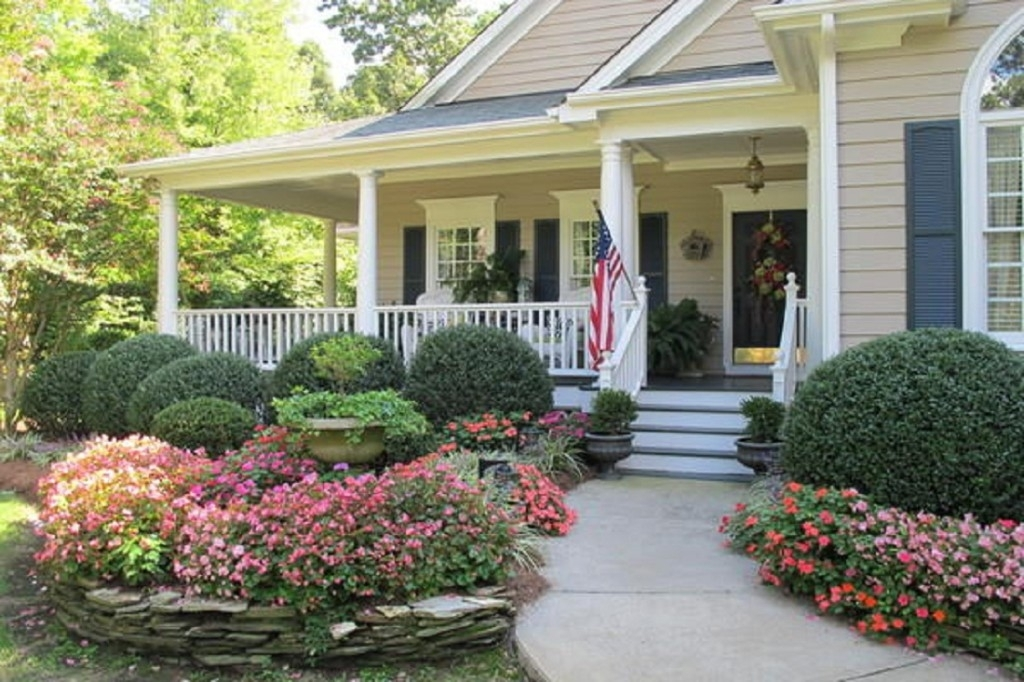 9 Best Front Yard Landscaping Ideas For Ranch-Style Homes | Walls regarding Landscaping Ideas For Small Ranch Style Homes Front Yard
