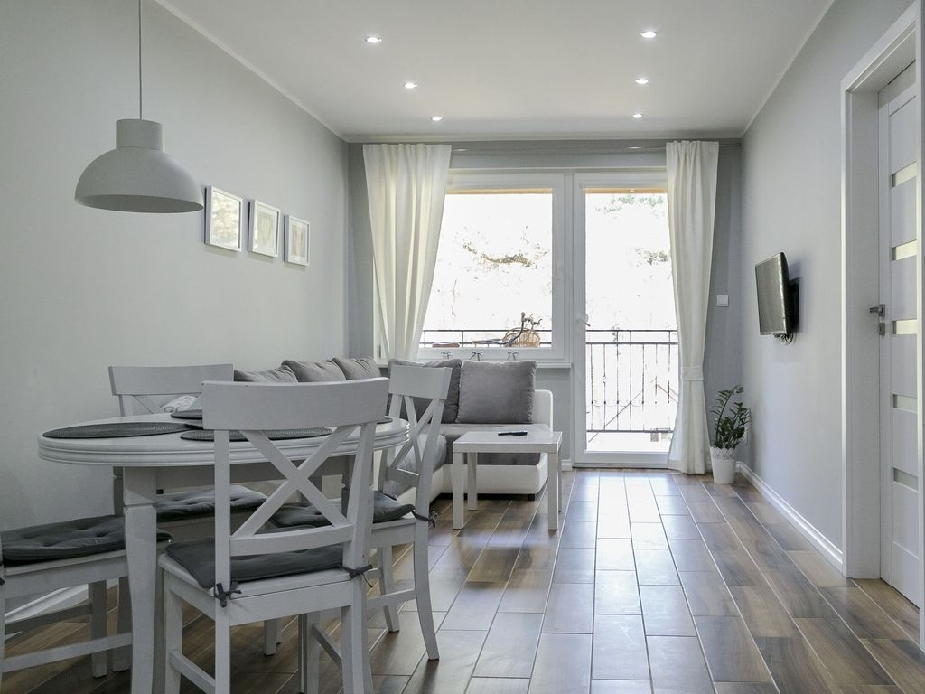 Beautiful Apartment By The Forest Garden, Pool; Only 150M From The throughout Forest Garden Apartments