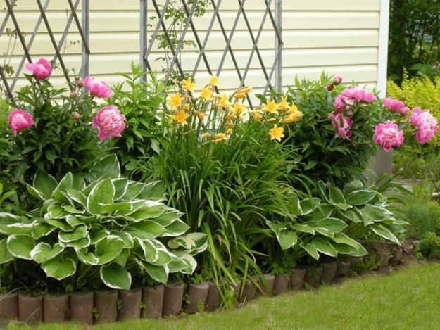 Best 20+ Flower Bed Designs Ideas On Pinterest | Plant Bed, Front throughout Landscaping Ideas For Small Flower Gardens