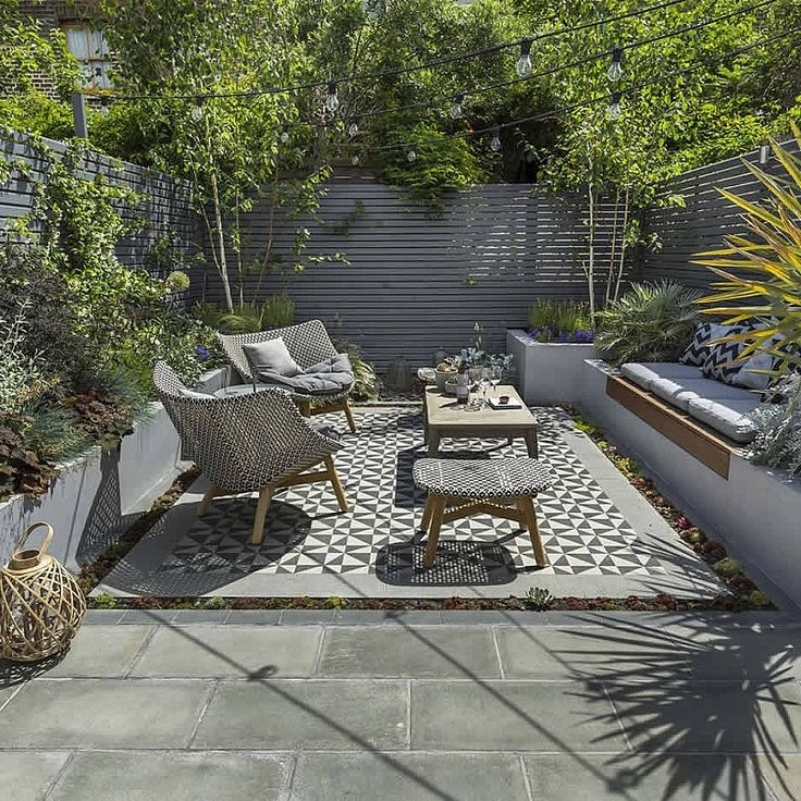 Best 20+ Small Garden Design Ideas On Pinterest | Small Garden in Garden Design For Small Square Gardens