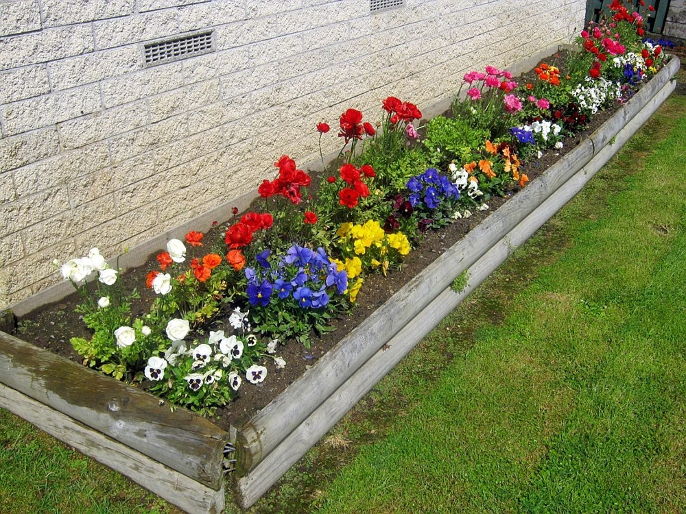 Best Flower Bed Designs Flower Garden Ideas Flowering Gardening throughout Landscaping Ideas For Small Flower Gardens