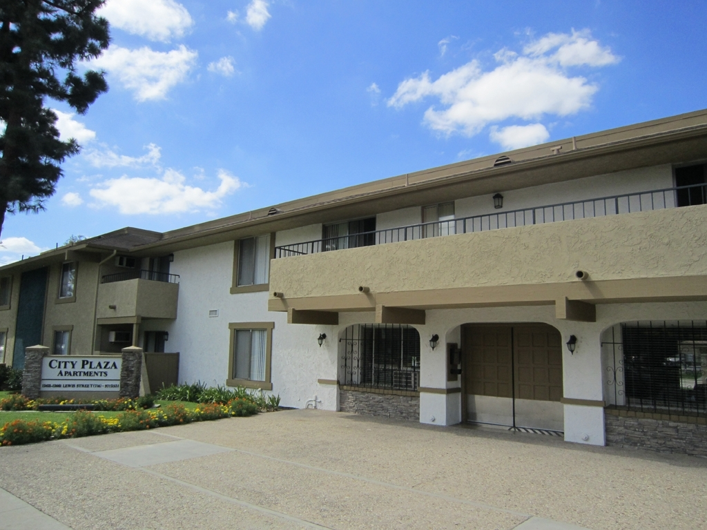 City Plaza Apartments - Centrally Located In Garden Grove, Ca intended for Apartment In Garden Grove