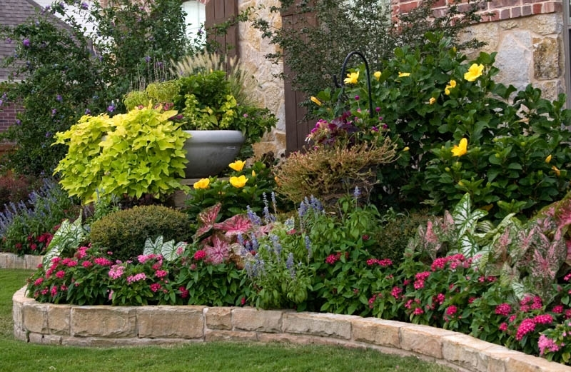 Flower Bed Ideas For Full Sun Pictures - Beautiful Black And White regarding Landscaping Ideas For Small Flower Gardens