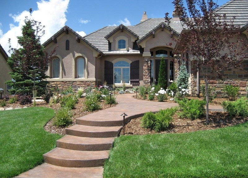 Front Yard Landscaping Pictures - Gallery - Landscaping Network throughout Landscaping Ideas For Front Yard Walkway