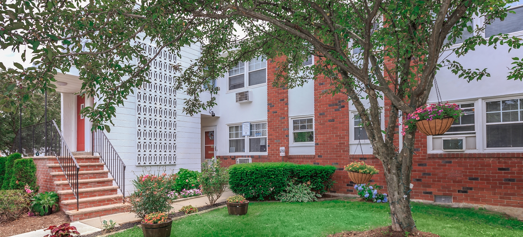 Meadowbrook Gardens - Apartments In Parsippany, Nj intended for Garden Apartments Nj