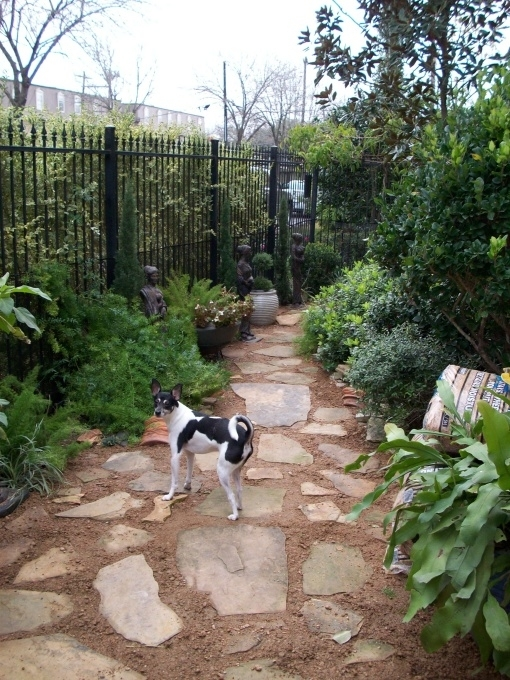 Side Yard Landscaping Ideas With Small Patio Pictures | Small Yard pertaining to Landscaping Ideas For Small Yards With Dogs